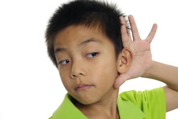 Mal aux oreilles chez l'enfant